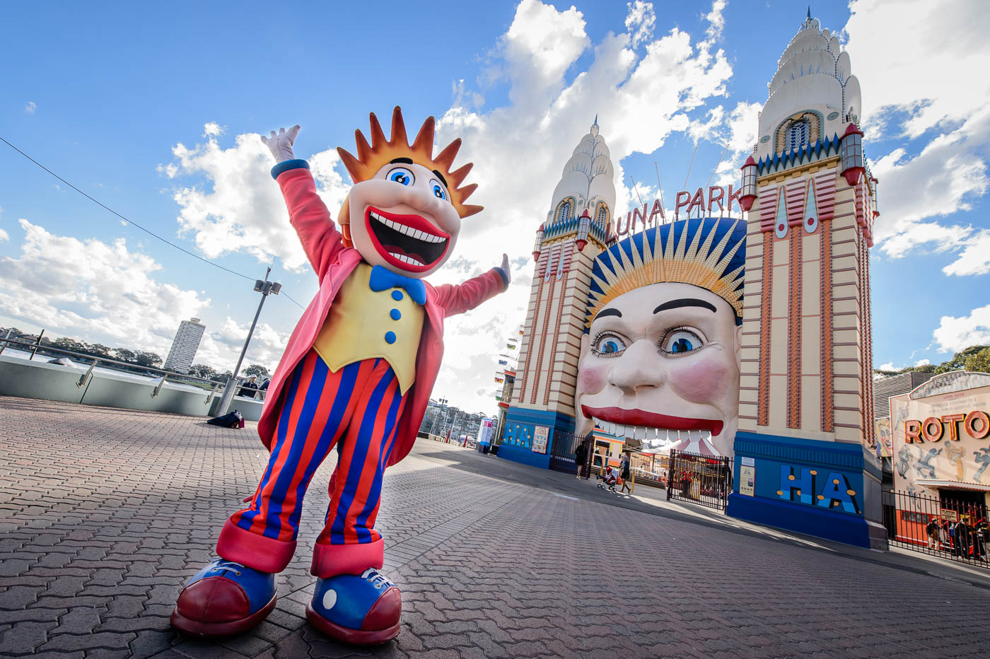Luna Park entrance with Luna Bob